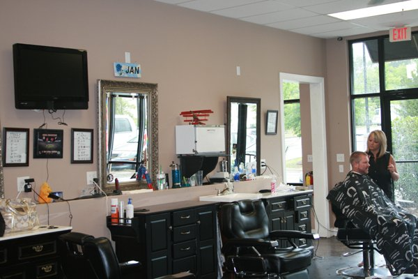 Barber Open Sunday : Capital Circle Northeast- 10:00 am to 6:00 pm